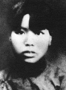 的酷刑,毛泽建坚贞不屈,毫不动摇.当敌人审问她的名字时,她昂首...
