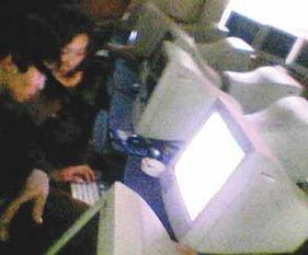 女记者卧底揭开酒吧 网上美女 促销黑幕