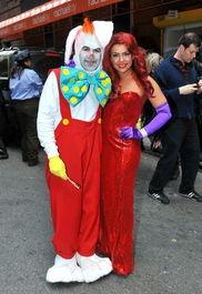 烹饪女王Rachael Ray老公出镜扮小丑夺眼球-万圣节进行时 明星变装大...