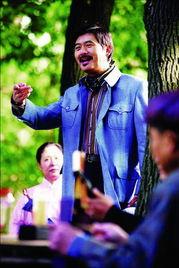 ava12在线观看-十二岁的男孩子宽宽,去看望退休后独自生活在国际化大都市---上海的...