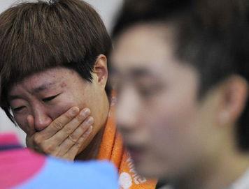 九变碎宇-中国女队爆冷1-3败给新加坡   中国女队爆冷1-3败给新加坡   冯天薇以9...