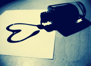 假日搞笑的qq签名大全 看别人的故事流自己的眼泪
