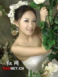 网络红人发照片被讽风骚 反击网友为 鸡 鸣冤