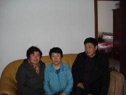 新华一中领导 三八节 慰问退休女教师