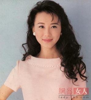 ...她,绝对当得起台湾第一美人.-时光剪影 资深美女艺人演绎32款飘...