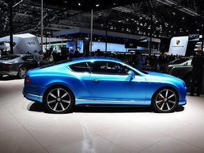 新款宾利欧陆GT整体外观-宾利欧陆GT灵动轿跑 倾城首发配置升级