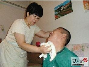 76岁姐姐已照顾脑瘫弟弟48年 无怨无悔演绎人间亲情 2