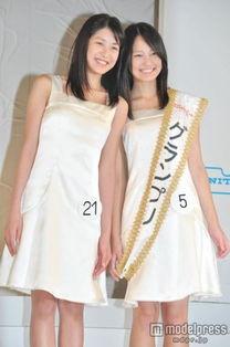 ...年全日本国民美少女大赛的总决赛21日在东京落下帷幕.15岁的吉本...