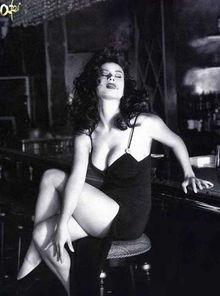 女主角珍妮佛・提莉-大胆的爱小心的偷 沃卓斯基兄弟的黑色小品