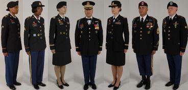 美军新一代军服展示-美国陆军将换着蓝色新军服 参战军人新增资质章