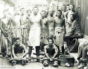 将义和团拳民押赴刑场   八国联军侵华后清政府为了缓和与列强的矛盾...