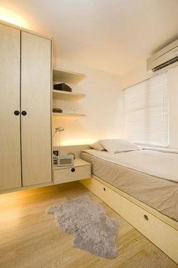 40平小户型装修案例:床边连着衣帽柜做出独特的床头柜.-40平小户...