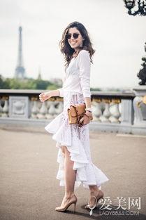 颜色,像裸色的高跟鞋和裸色的手拿包就是很好的选择.   白色是干净...
