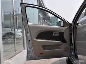 奇瑞风云2三厢 2010款 1.5MT进取型 ——前车门内饰整体-1.5MT进取型