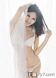 性感美女薄纱内衣写真图片 美女大尺度深V的喷血诱惑 hao123网址导航