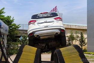 AWD智能四驱系统与车身整体钢性.无论在何种极端路面,翼虎的...