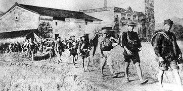 ■东江纵队在行军途中 资料图片-广东抗战 彪炳史册 泽被千秋