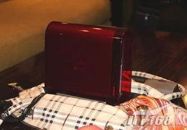 像苹果Mac mini PC那样放置在办... Intel T8100 Penryn CPU和吸入式...
