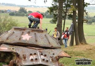 明斯克的郊外 IS-3坦克残骸仿佛在提醒人们牢记历史-越境作战打探...
