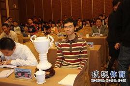 ...军赛决赛在衢州国际大酒店战罢,谢赫七段执黑中盘胜江维杰四段,...