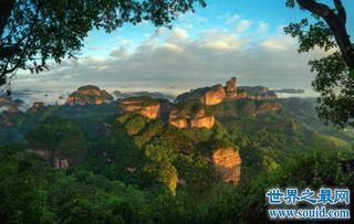 ...污的奇石景观 丹霞山阴阳石