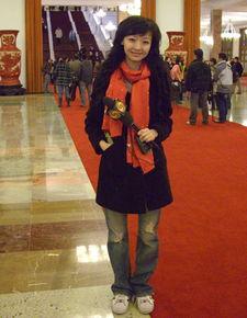 凤凰卫视驻北京站记者 胡玲