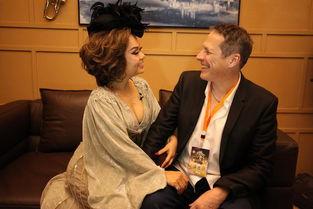 歌手 杜丽莎老公探班 相拥合照甜掉牙