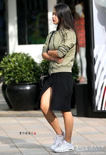 街拍 超薄丝袜加高跟鞋的双重性感美女