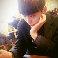 qq头像韩版男生头像大全 微信韩版男生头像
