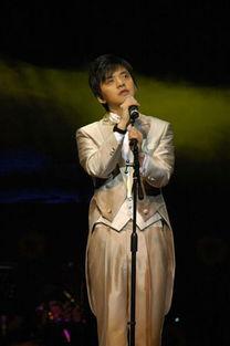 名话不多却字字珠玑的歌者,从第一首歌开始,李健就用音乐将沉附在...