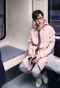 九变残卷-5.关键单品:休闲九分西裤   短夹克+白T恤+休闲九分裤+小白鞋,这个...
