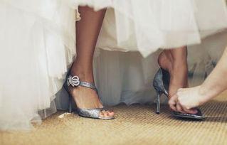 抵不过一双纤纤玉足的魅力.   高跟鞋皇帝Manolo Blahni