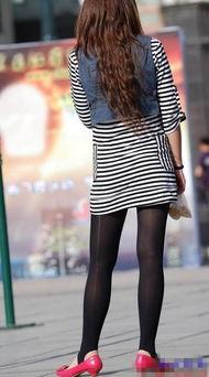 街拍 上班时街拍等公交车的丝袜美女少妇