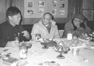 杜润生、吴象与农民企业家交流-杜润生 农民利益代言人 农村改革参谋长