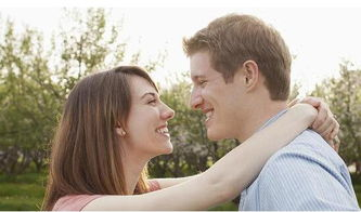 男人动手打老婆不但不能解决矛盾,极易激化矛盾,伤害夫妻感情....
