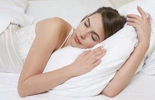 矫正驼背的睡觉姿势-...吗 说不定你的睡姿是 毁容