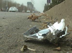遭协警追赶致车祸 目击者称 交警 或有脚踹动作