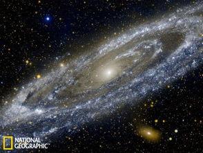 ...仙女座星系是银河系最大的邻居星系,距离地球大约250万光年.尽...