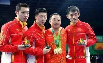 刘国栋晒兄弟家庭聚会和孩子们打球幸福照