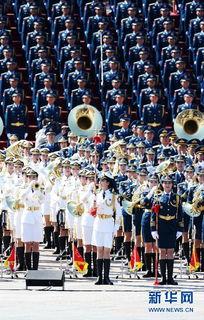 朝鲜阅兵背景音乐名字-9月3日,中国人民抗日战争暨世界反法西斯战争胜利70周年纪念大会在...