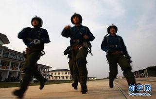 2012年9月17日,济南军区空军某团进行对海岛突防攻击实弹课目训练...