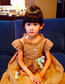 陆毅女儿贝儿-李小璐甜馨甜美母女装 娱乐圈中萌娃哪家靓