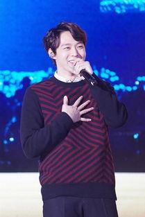 国际在线专稿:据韩国《亚洲经济》报道,演员兼歌手朴有天将通过在...