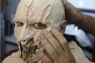 揭秘恐怖僵尸化妆全过程图片
