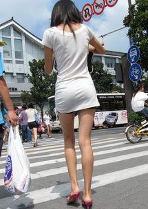 街拍极品大长腿美女,这腿真够长的啊