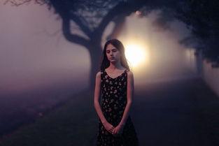 很孤独的个性签名 安静的吸烟 只是抽着寂寞