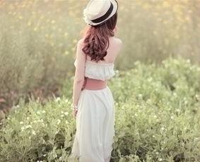 孤单背影图片女生唯美