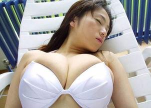 胸部   4、长泽梓,I罩杯   长泽梓是日本AV女星,以爆乳著称,漂亮的...