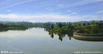青云湖湖面风景图片
