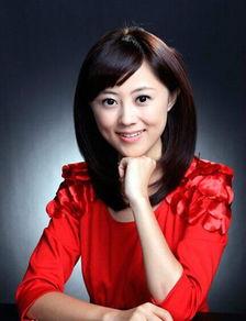 凤凰卫视主持人杨舒个人资料及照片 杨舒年龄及图片